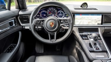 Porsche Panamera Sport Turismo 2017 review - steering wheel