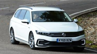 Volkswagen Passat GTE Estate - front cornering
