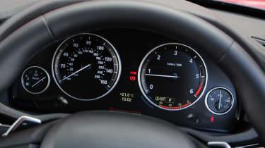 BMW X3 dials