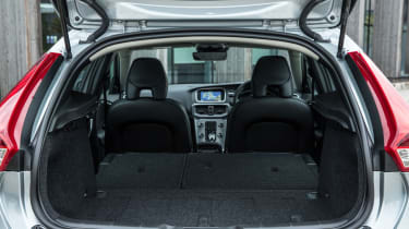 Volvo V40 2016 - boot seats down