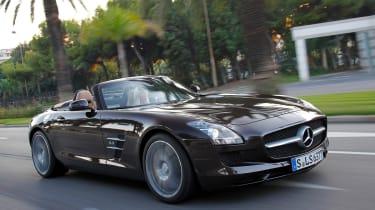 Mercedes SLS AMG Roadster panning
