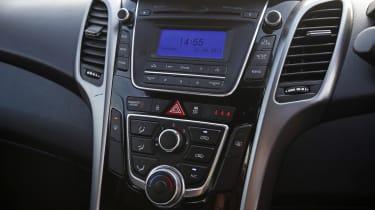Used Hyundai i30 - centre console