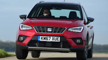 SEAT Arona - front action