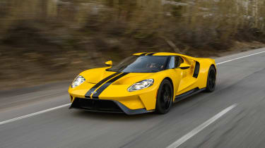 Ford GT - road front tracking