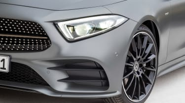 Mercedes CLS - headlight
