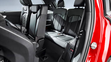 Audi Q7 - studio back seats