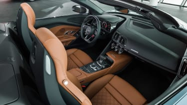 Audi R8 Spyder - studio cabin
