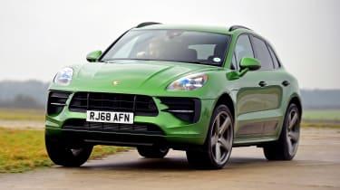 Porsche Macan - front action