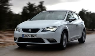 SEAT Leon front action