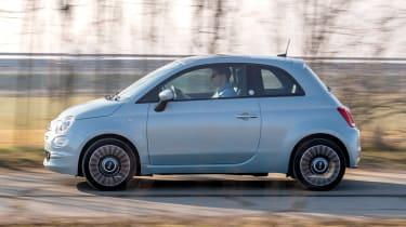 Fiat 500 Mild Hybrid - side