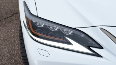 Lexus ES - headlight