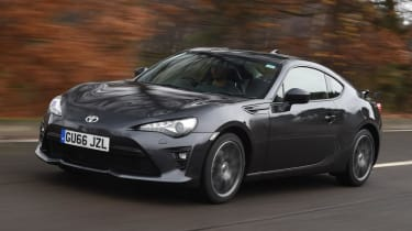Used Toyota GT86 - front action