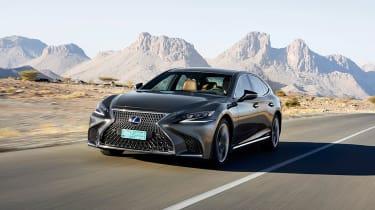 Lexus LS 500h - front tracking