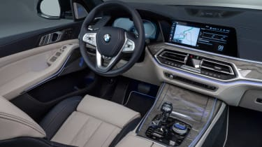 New BMW X7 studio shoot interior