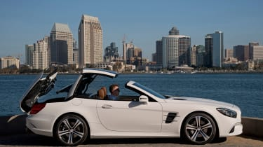 Mercedes SL400 - roof opening 2