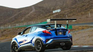 Toyota C-HR R-Tuned  track