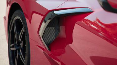 Chevrolet Corvette - side pod