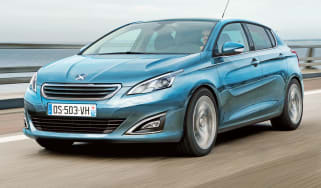 Peugeot 308 front tracking