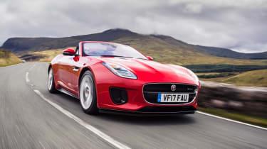 Jaguar F-Type Convertible 2.0-litre 4-cylinder - front tracking