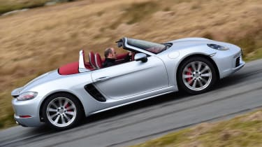 New Porsche 718 Boxster 2016 - side tracking
