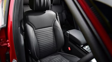 Land Rover Discovery - front seat