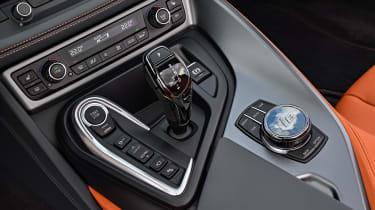 BMW i8 Roadster - controls