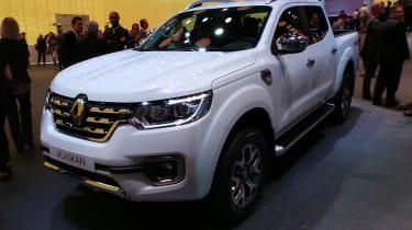 Renault Alaskan at Paris Motor Show 2016