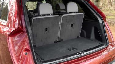 Audi SQ7 - boot seats up