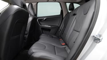 Volvo XC60 front rear seats