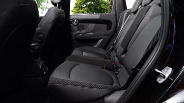 MINI Countryman S E - rear seats