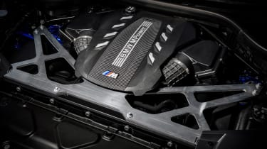 BMW X5 Competition - engine