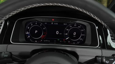 Volkswagen Golf R Performance Pack - dials