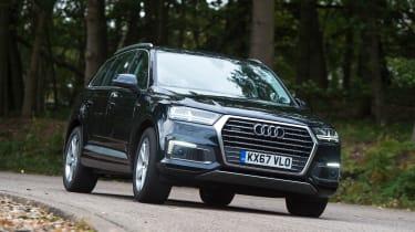 Audi Q7 e-tron - front action