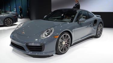 Porsche 911 Turbo 2016 - front quarter show