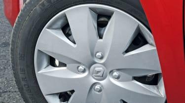 Renault Clio Pzaz wheel