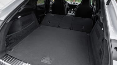 Porsche Cayenne Turbo S E-Hybrid - boot seats down