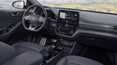 Hyundai Ioniq Electric - cabin