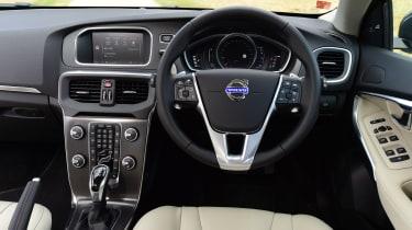 Volvo V40 - interior