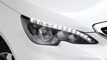 Peugeot 308 - front light