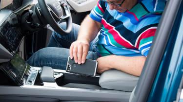 Audi e-tron 55 quattro second report - phone holder