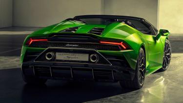 Lamborghini Huracan Evo Spyder - garage rear 3/4
