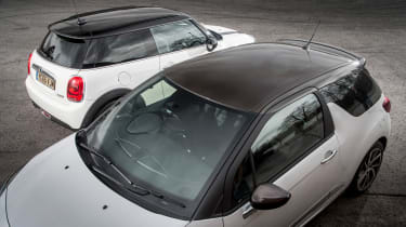 MINI Cooper vs DS 3 - roof