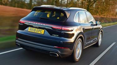 Porsche Cayenne E-Hybrid - rear tracking