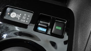 Nissan Leaf buttons