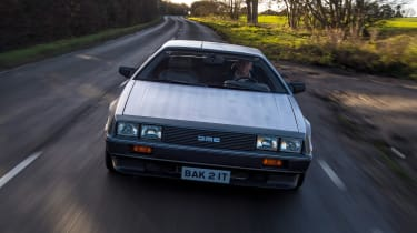 DMC DeLorean - full front tracking