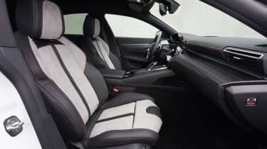 Peugeot 508 Hybrid - front seats