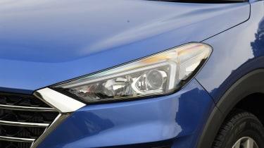 Hyundai Tucson - front light