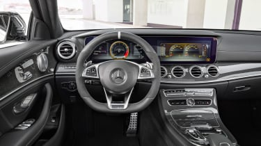 Mercedes-AMG E 63 Estate - dash