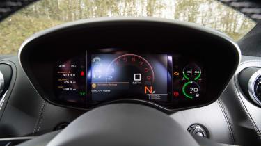 McLaren 540C - dials