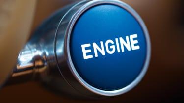 Bugatti Chiron - engine start